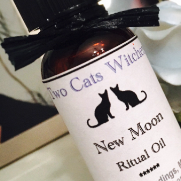 New Moon Ritual Spell Oil 1 oz La Luna Lunar Magick / Hand Blended Apothecary / Witch Pagan Potion