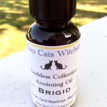 Goddess Brigid Ritual Oil / 1 oz Saint Bridget Imbolc Anointing Oil / Celtic Pagan Goddess of Fire and the Home