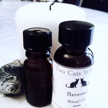 Reversal Oil. 1 oz Ritual Oil for Reversal Magick and Uncrossing