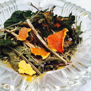 Sun Dried Herbs. 2x3 inch bag, For Sun Magick and to Honor the Sun