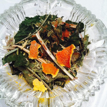 Sun Dried Herbs. 3x3 inch bag, For Sun Magick and to Honor the Sun